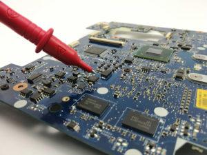 Naprawa płyty głównej laptopa